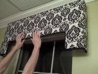 Корнизи, фризове и панели за прозорци и завеси