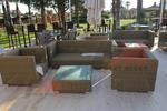 Ратанови дизайнерски дивани за заведения