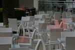 Маси и столове от светъл ратан за всяка обстановка