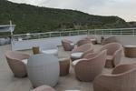 Маси и столове от светъл ратан