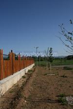дървени огради със зидана основа по поръчка