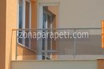изработка на терасни иноксови парапети със черно стъкло