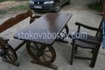 изработка на битова дървена маса с една пейка и 1 масивен стол