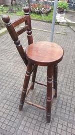 фирма за дървени столове за механи и кръчми