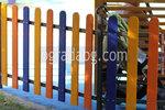 дървена ограда за детска площадка