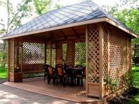 Дървени дворни беседки