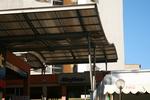поликарбонатен навес за търговски център по поръчка