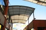 изработка на поликарбонатен навес за магазин