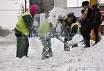 Почистване на сняг ръчно