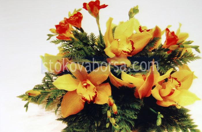 украса с естествени цветя