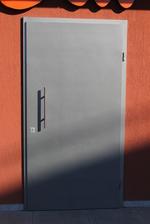 изработка на врати против пожар с едно отварящо се крило