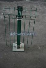 метални колове за огради с метални пана