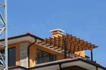 изработка на дървени перголи за тераси