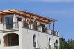 изработване на дървена пергола за тераса