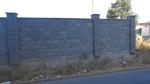 зидаме огради с бетонови тухли