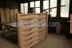 изработка на дървени огради от дървени пана без лак