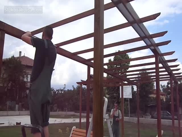 Проектиране и изработка на дървен навес