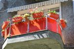 балконски парапети от инокс и червено стъкло по поръчка